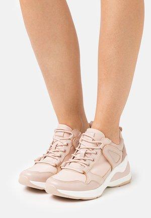 VANY - Sneaker low - light pink