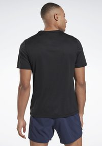 Reebok - NIGHT RUN SHIRT - T-shirt basic - black - 2