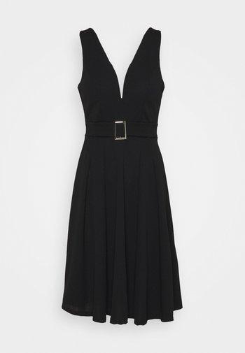 AITANA BELTTED MIDI DRESS - Jersey dress - black