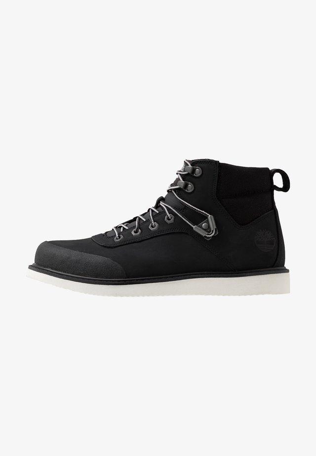 NEWMARKET CHUKKA BOOT - Bottines à lacets - black