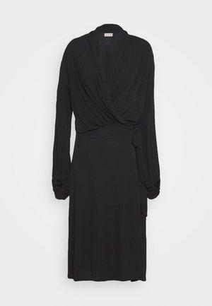 ISMENE - Denní šaty - black