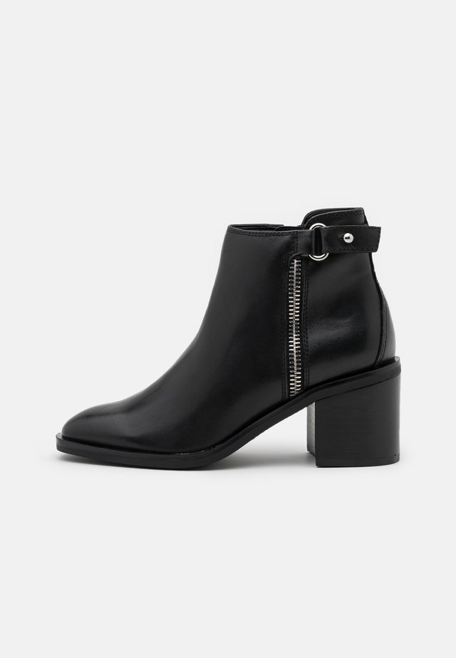 DARREBA - Ankle boot - black