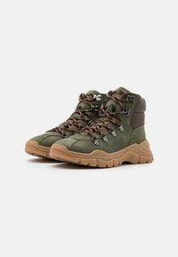 Emporio Armani - XYZ003 - Lace-up ankle boots - KHAKI - 1