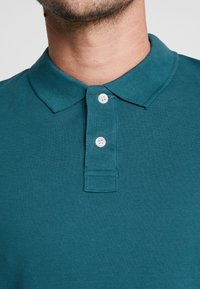 Pier One - 2 PACK - Poloshirt - petrol/black - 6