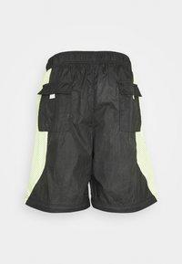 Jordan - TRACK PANT - Träningsbyxor - black/light liquid lime/electric green - 10