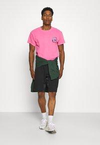adidas Originals - UNISEX - Shorts - black - 1
