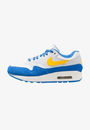 AIR MAX  - Sneakers - sail/amarillo/pure platinum/signal blue
