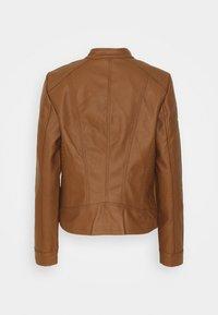 Vero Moda Tall - VMTEXAS SHORT COATED JACKET - Faux leather jacket - cognac - 1