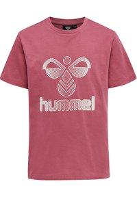 Hummel - PROUD SET - Print T-shirt - rose wine - 1