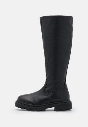 SLFEMMA HIGH SHAFTED BOOT  - Botas con plataforma - black