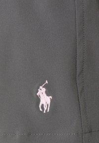 Polo Ralph Lauren - TRAVELER SWIM - Swimming shorts - combat grey - 2