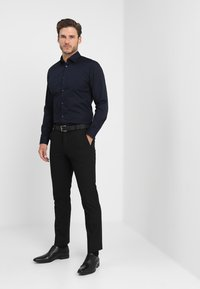 Selected Homme - SLHSLIMBROOKLYN - Chemise classique - navy blazer - 1