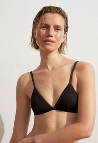 OYSHO - Bikini top - black - 0
