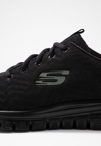 Skechers Wide Fit - GRACEFUL WIDE FIT - Sneakers - black - 2