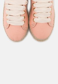 JUTELAUNE - VEGAN EDITION - Espadrillot - watermelon - 5
