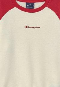 Champion - LEGACY AMERICAN CLASSICS CREWNECK - Felpa - off-white - 3