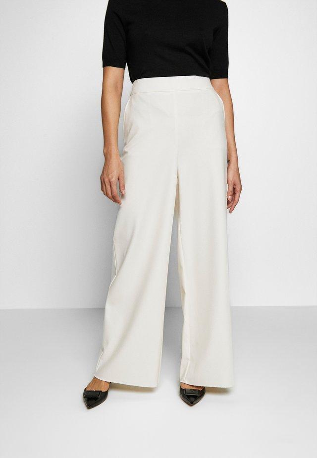 INCASSO - Spodnie materiałowe - ivory
