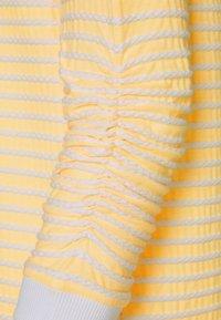 TOM TAILOR DENIM - STRIPED - Sweatshirt - yellow/white - 2