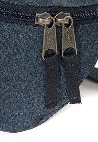 Eastpak - MUTED MELANGE/CONTEMPORARY - Bum bag - muted blue - 4