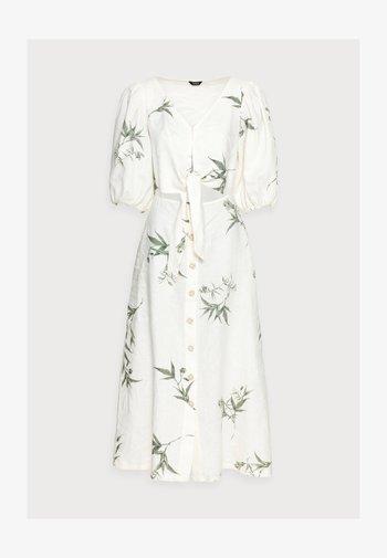 DRESS LISETTE - Kjole - light white