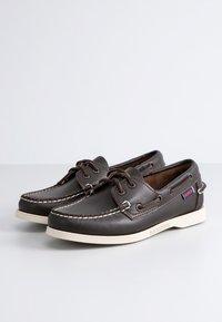 Sebago - DOCKSIDES FGL W - Boat shoes - dk brown - 1