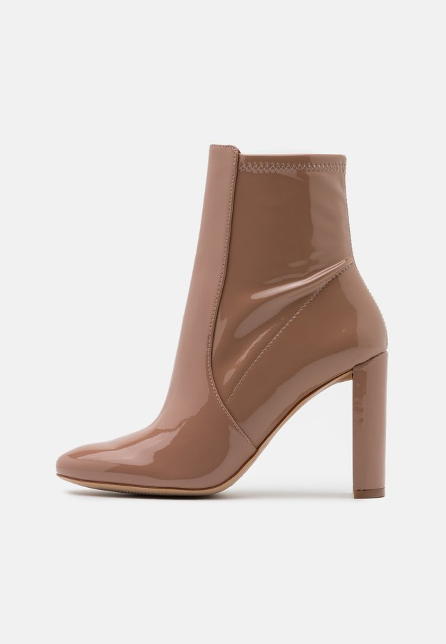 AURELLANE - High heeled ankle boots - bone