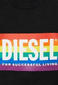 Diesel - BFOWT-MUSCLE-ROUNDIE-PR - Top - black - 2