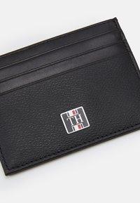 Tommy Hilfiger - MONOGRAM HOLDER UNISEX - Wallet - black - 3