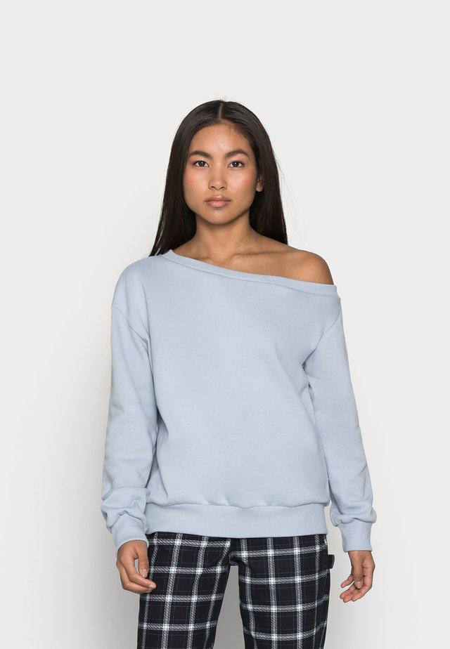 Sweater - light blue