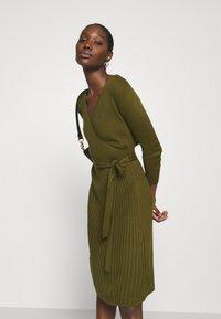 Dorothy Perkins - WRAP DRESS - Jumper dress - khaki - 3