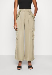 Who What Wear - WIDE LEG CARGO PANT - Trousers - stone - 0