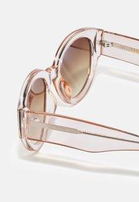 A.Kjærbede - BIG WINNIE - Sunglasses - champagne - 2