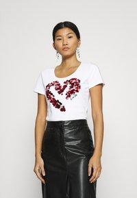 Liu Jo Jeans - MODA - Print T-shirt - bianco ottico - 0