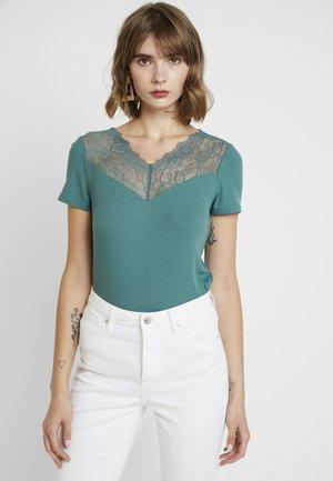 VMANJA - Print T-shirt - north atlantic