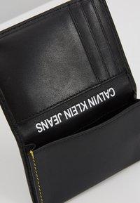Calvin Klein Jeans - SMOOTH STITCH CARD CASE - Wallet - black - 6