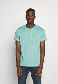Burton Menswear London - BASIC 5 PACK - Basic T-shirt - pink - 5