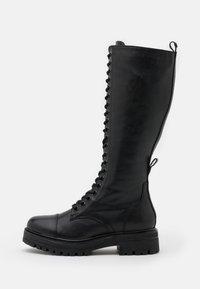 Tamaris - BOOTS - Botas con cordones - black - 1
