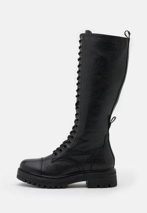 BOOTS - Snörstövlar - black