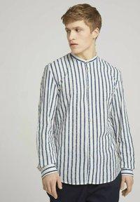 TOM TAILOR DENIM - Shirt - white blue shredded stripe - 0