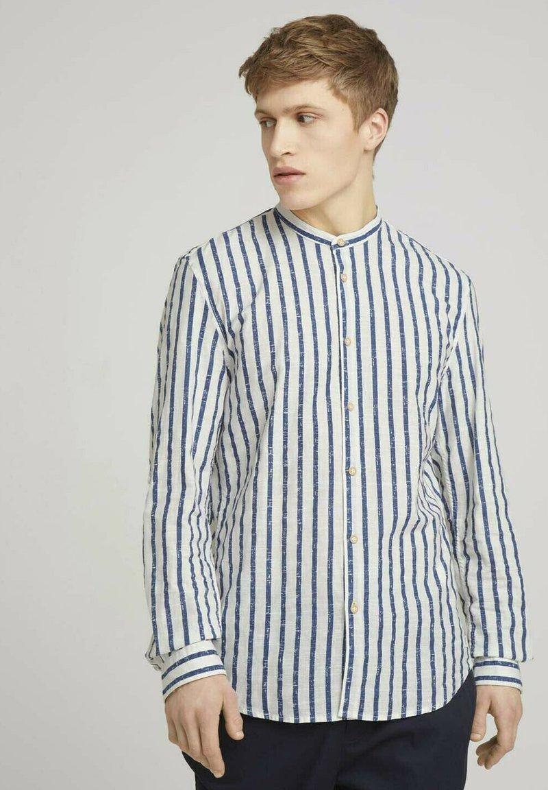 TOM TAILOR DENIM - Shirt - white blue shredded stripe