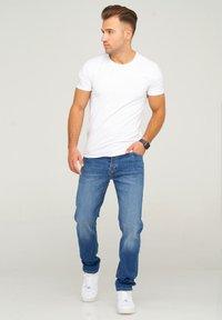 Jack & Jones - JJIMIKE JJARIS - Straight leg jeans - dark blue denim - 0