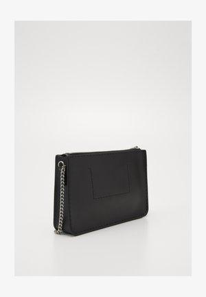CROSSBODY CHAIN - Across body bag - black
