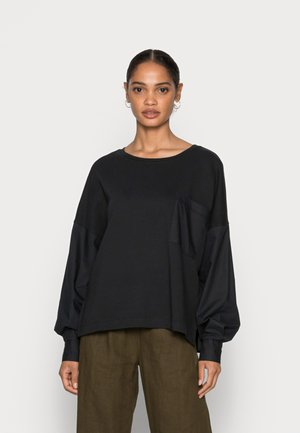 LONG SLEEVE ROUND NECK PATCHED WITH WOVEN GARMEN     - Sweatshirt - dusty black