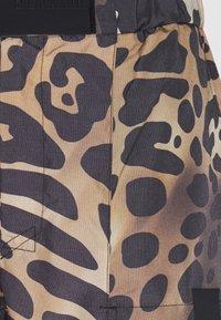 Just Cavalli - PANTALONE - Teplákové kalhoty - beige - 9