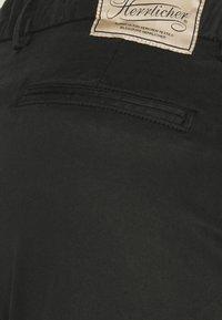 Herrlicher - LOVELY POWERSTRETCH - Chino kalhoty - black - 2