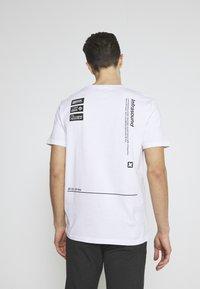 Pier One - Printtipaita - white - 2