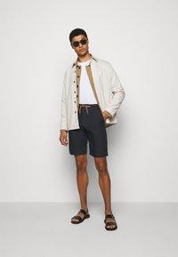 Paul Smith - GENTS - Shorts - navy - 1