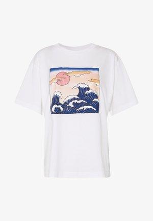 TOVI TEE - Print T-shirt - white