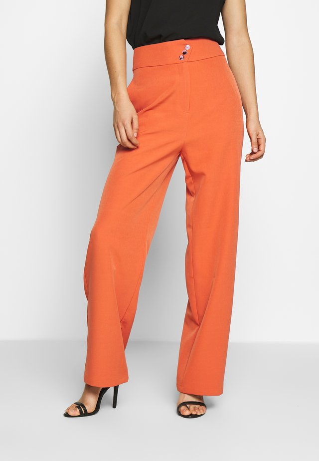 PECHE TROUSERS - Bukser - orange