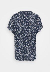 Kaffe - LUPE BLOUSE - T-shirts med print - white / midnight marine flower - 1